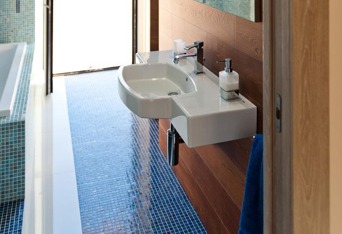 Bagno Legno E Mosaico : Bagno legno e mosaico altezza box doccia doccia mosaico excellent